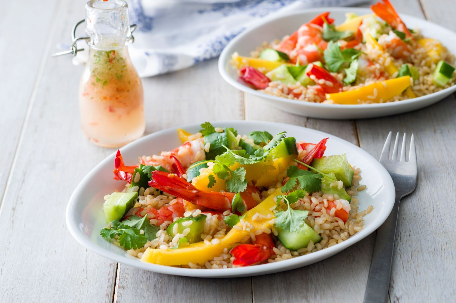 Prawn mango salad with brown rice