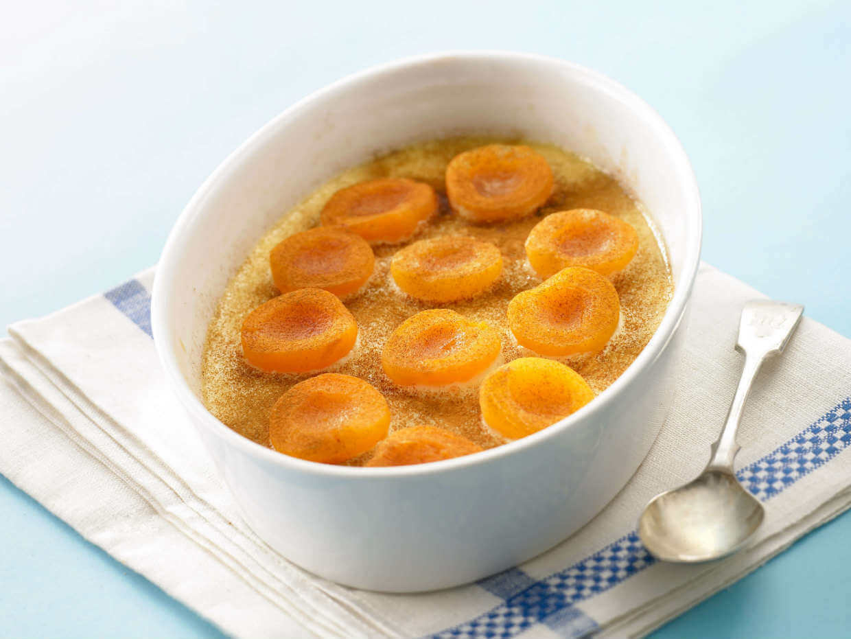 Baked apricot pudding