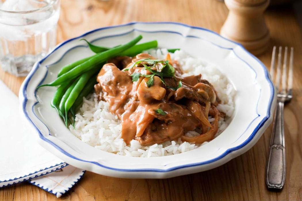 Beef stroganoff with beans and rice