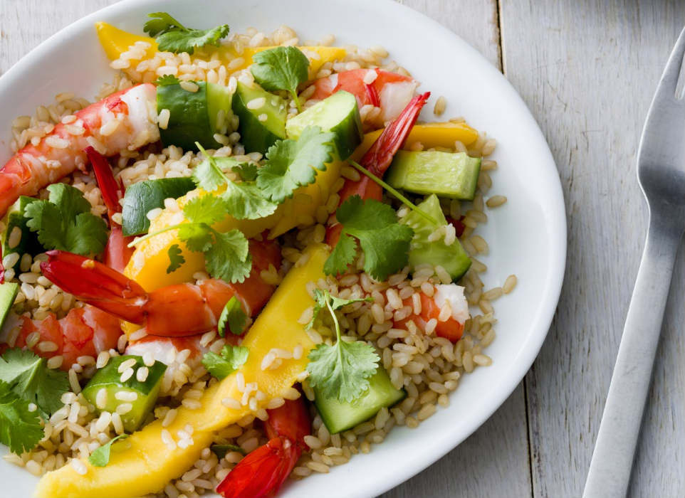 Prawn mango salad with rice and vegetables