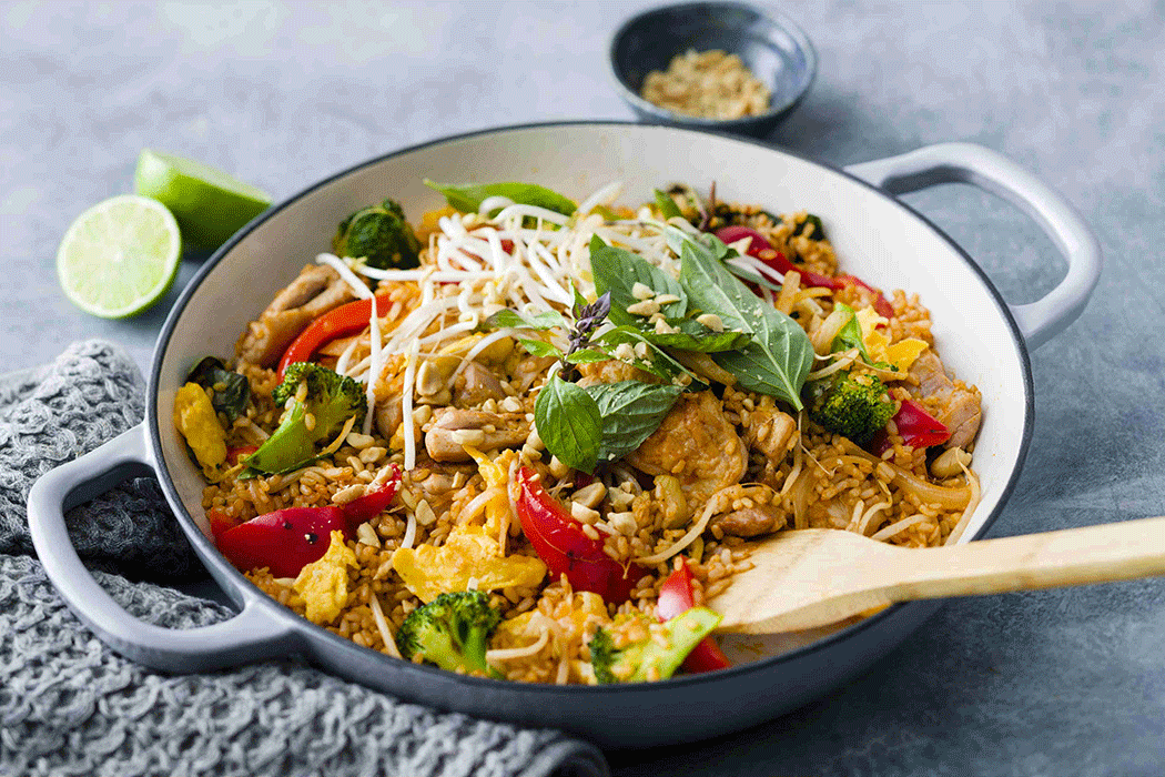 Thai fried rice with vegetables and chicken