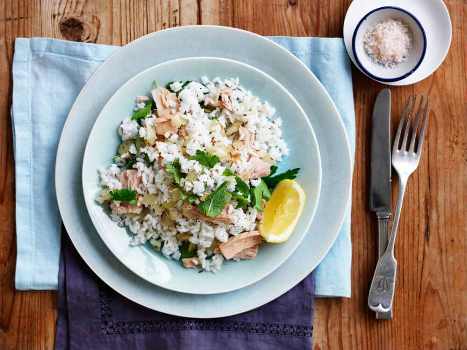 Coriander and tuna rice